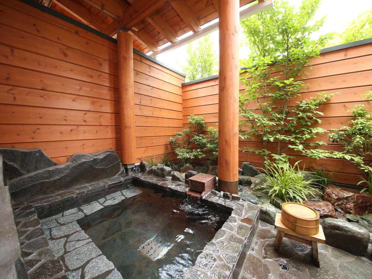 【ログコテージ共通】専用露天風呂&内風呂を皆様でお楽しみ下さい♪
