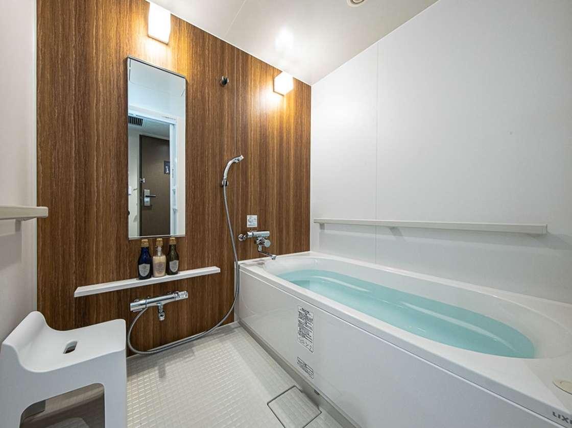 洗い場のある快適なバスルームです(一例)