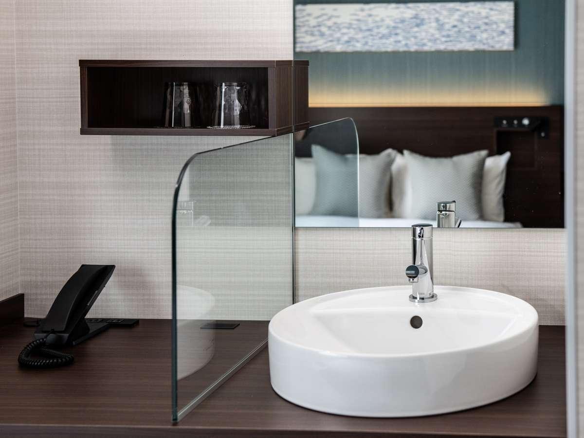 洗面台 (バスルーム・洗面・トイレの水廻りは3点独立となっております。)