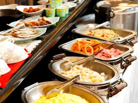 バイキング朝食は日替わりでご用意。季節の食材を使った朝食スタッフ渾身の朝食☆