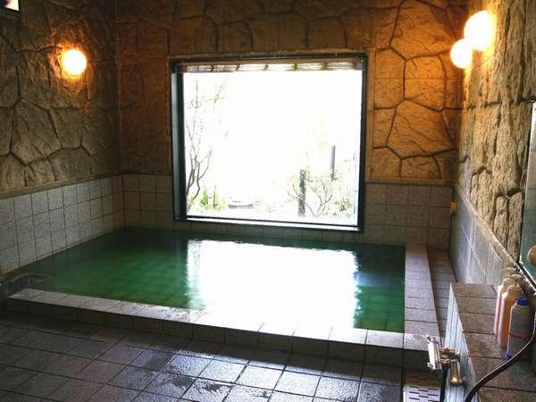 活性石人工温泉浴場をご用意しております♪ビジネスやゴルフ旅の疲れをゆっくりと癒してください。