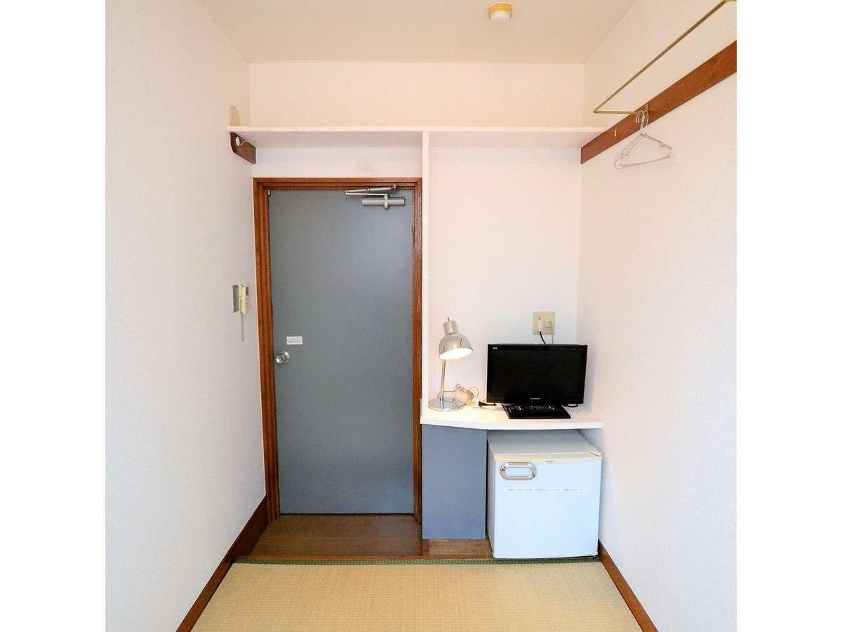 客室(テレビ・冷蔵庫)
