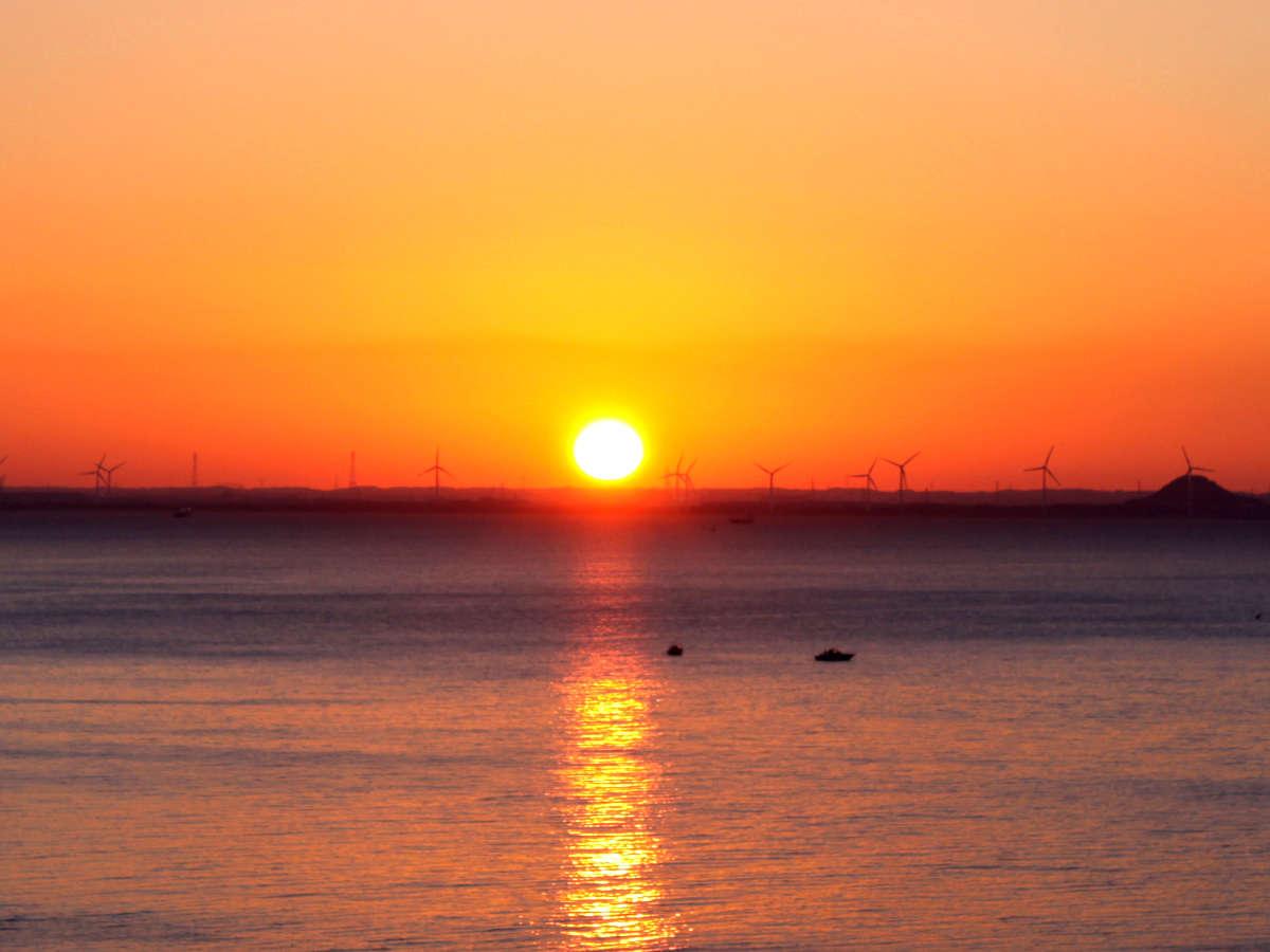初日の出♪朝日も夕日も見える「西浦半島最先端」