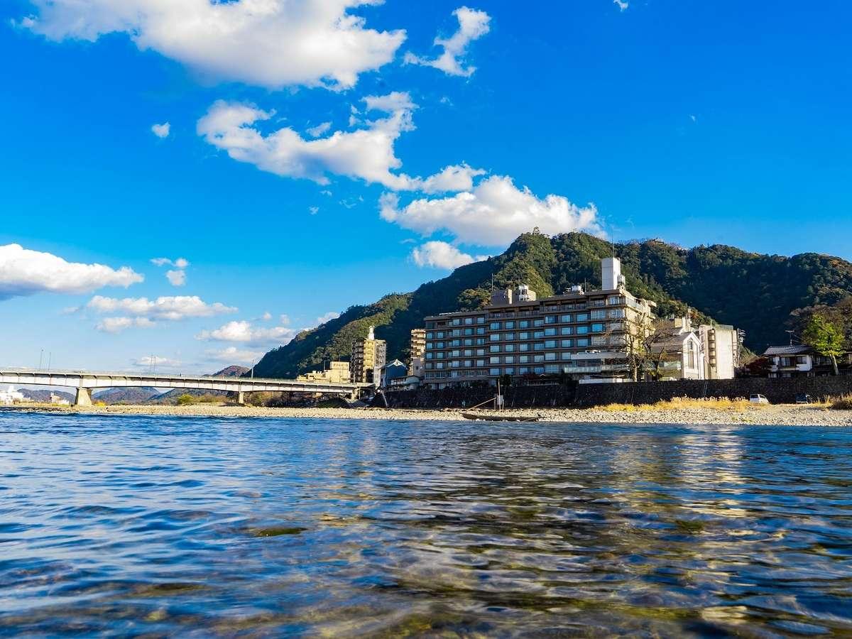 長良川と十八楼