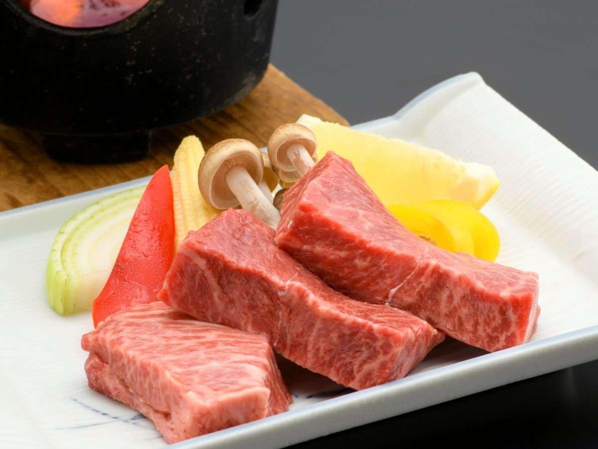 【常陸牛ステーキ】A5ランクの分厚いお肉を鉄板でジュ~ッと!