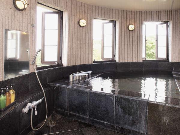 館内にある貸切の温泉は、お部屋から空いているか分かる仕組みとなっております