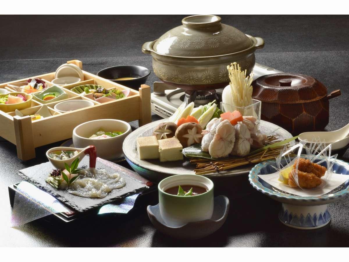 冬の味覚を楽しむ彩り盛り合わせと「ふぐざんまい会席膳」