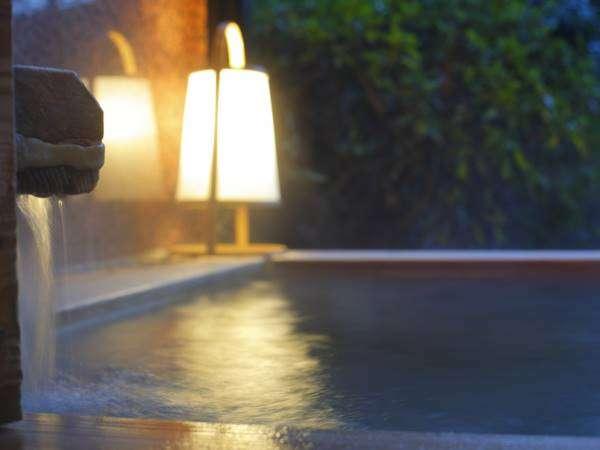 メゾネットタイプの客室露天風呂 一例 チェックインからチェックアウトまでいつでも入れます。