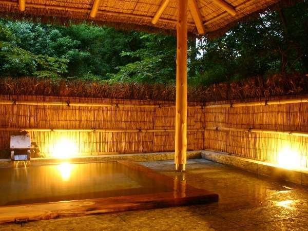 *この宿では、全ての風呂が貸切で源泉掛け流しなのです。