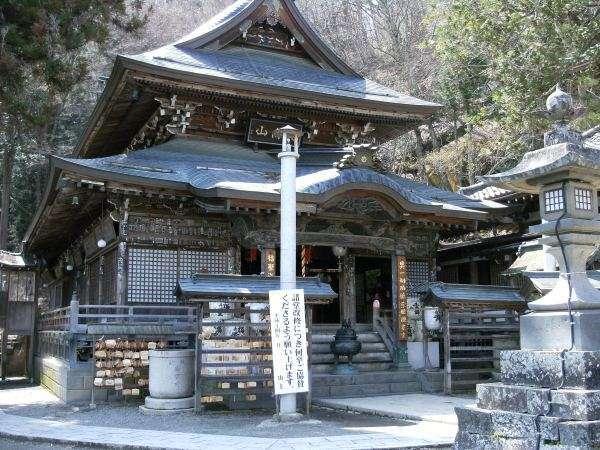 【北向観音】現世ご利益の観音様。長野市善光寺と向き合っていることで有名。