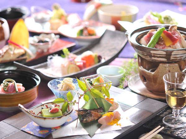 一品ずつ心を込めたお料理を料理長中島がお贈りします。