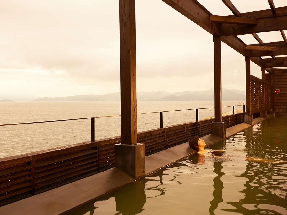 ★伊王島「Ark Land Spa」 展望露天風呂:一面に広がる海と一体になれるような抜群の開放感!
