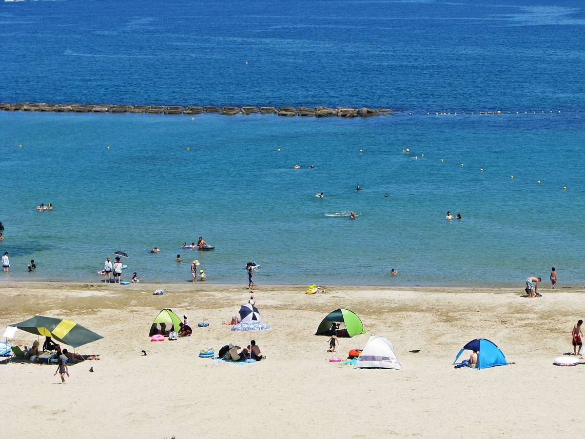 夏の一番人気スポット『菊ヶ浜海水浴場』は徒歩1分!まるでプライベートビーチ【遊泳期間:7/17~8/29】
