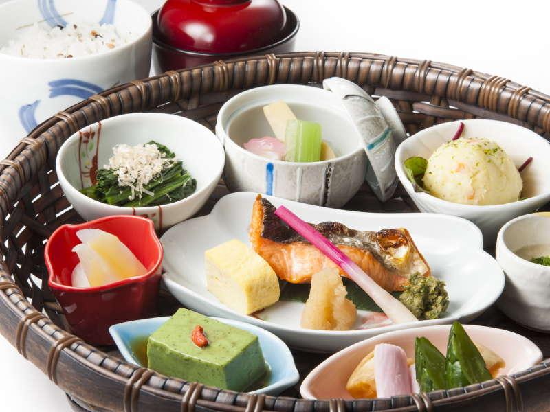 【ガーデンダイニング環樂】数量限定「野菜朝食」