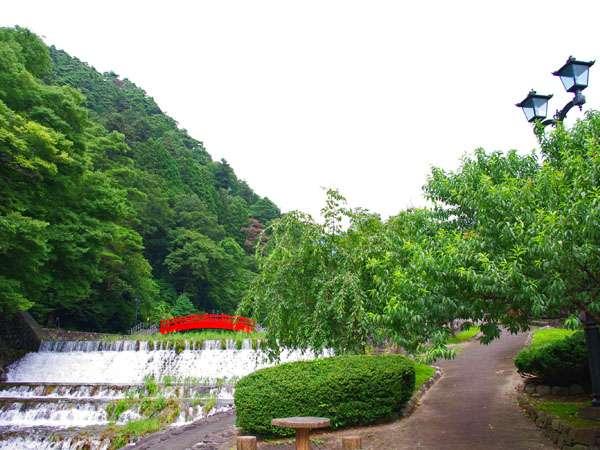 夏に涼しい雨情公園です。当館より徒歩で10分ほどです。