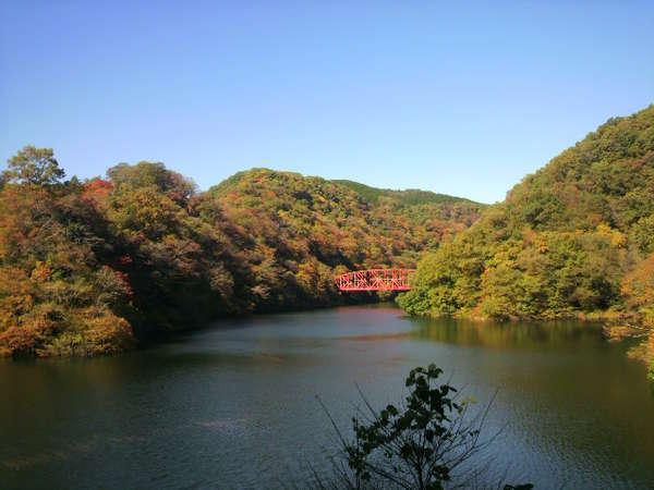 神龍湖の紅葉