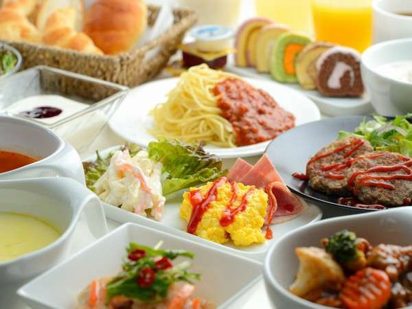 (洋食)週末限定という事でチョット豪華な朝食が登場します。