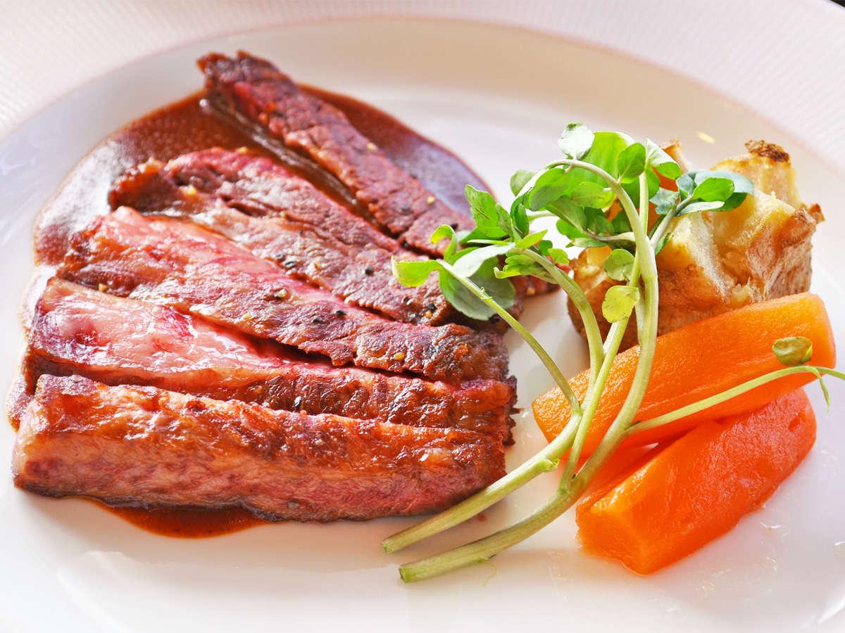 【夕食一例:きらめきプラン】肉料理(黒牛ステーキ)
