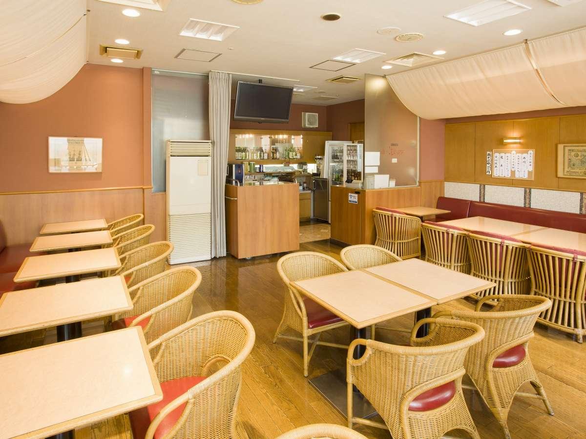 レストラン「マルコポーロ」。朝食はもちろん、ランチ、夜はご当地グルメを揃えた居酒屋営業もしております