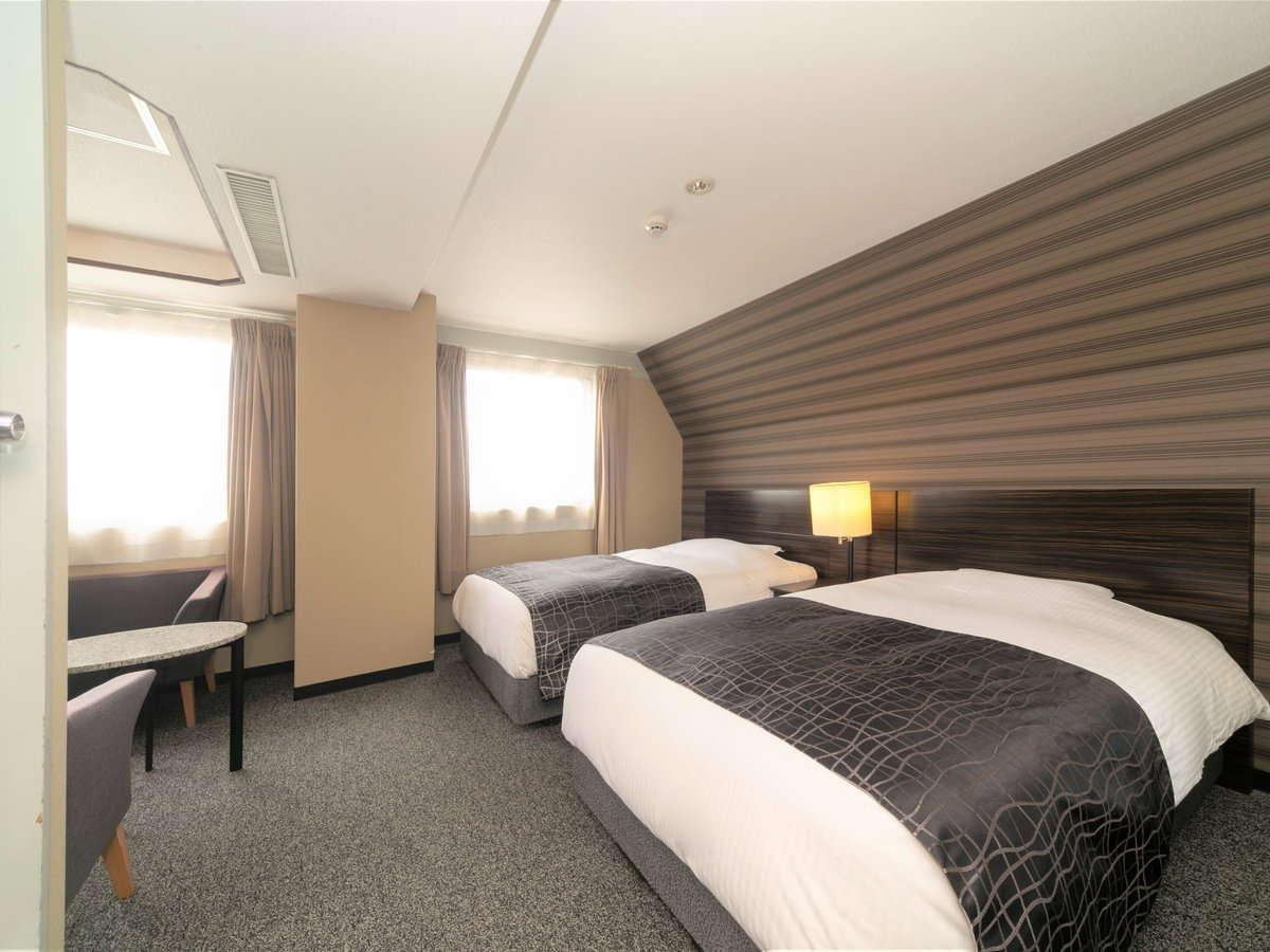 デラックスツインルーム / 24平米 / ベッド幅120cm×2台