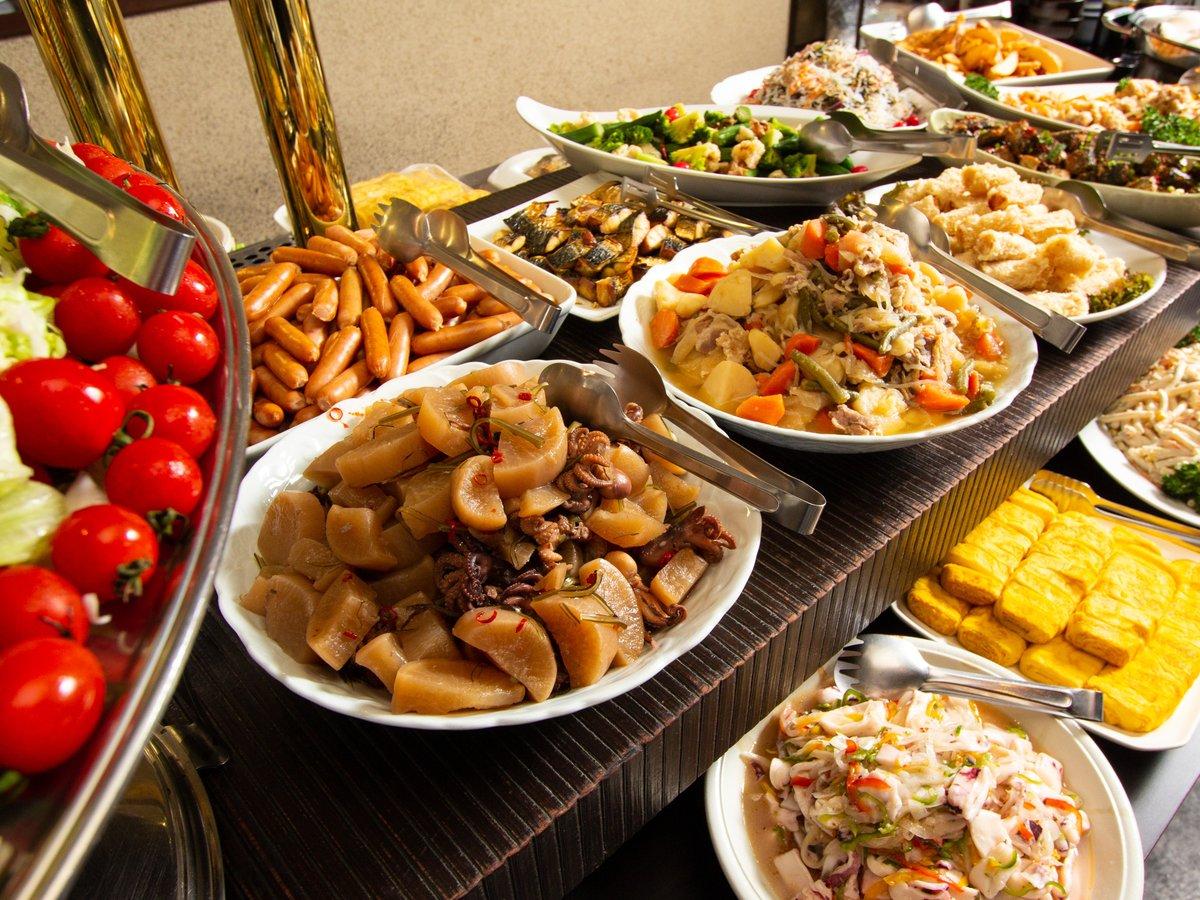 ☆朝食☆1階のレストランにて通常07:00~10:30の間でご利用可能♪当分の間メインをお膳でご提供中