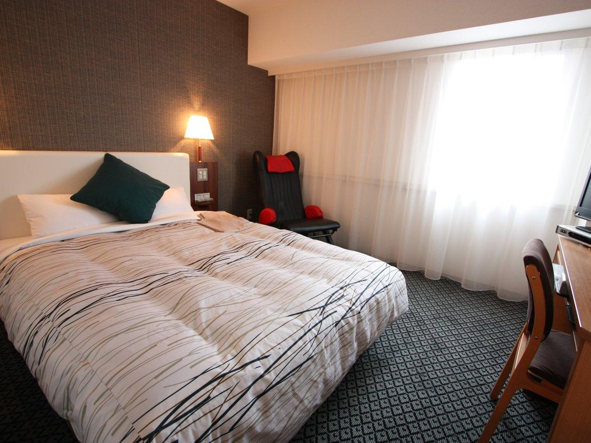 【デラックスダブルルーム】「シモンズ」製ベッドとマッサージチェア完備