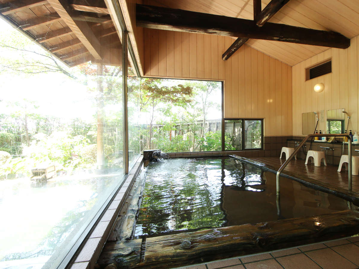◆【温泉・内湯-檜-】癒しの檜風呂で効能が高い湯田上温泉を思う存分ご堪能下さい。