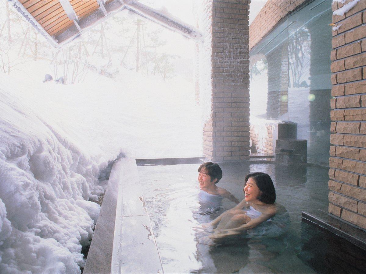 天然軟水の露天風呂は旅の疲れも、スキーの疲れも癒してくれます!