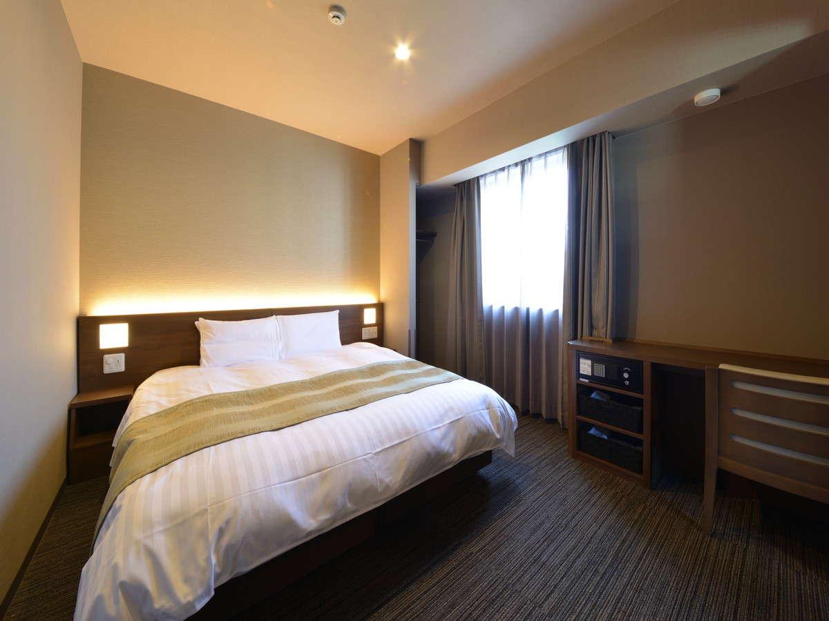 ◇禁煙◇キングルーム20.8平米 シモンズ社製ベッド180×195センチ