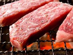 炭火焼きで味わう松坂和牛。プレミアムプランだけにお付けする限定食材です。