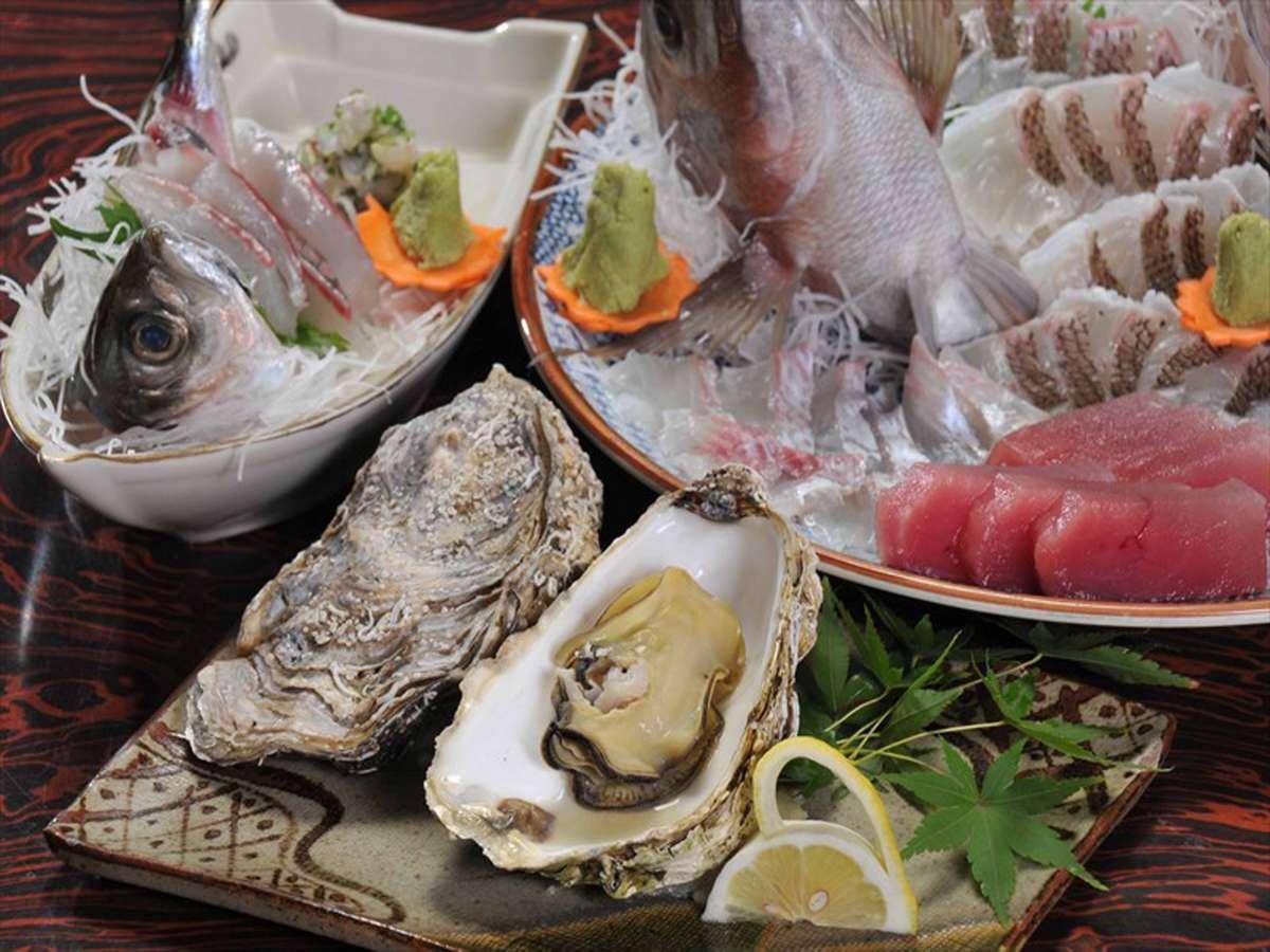 *夕食(一例)浜名湖産 新居の牡蠣「プリ丸」をご提供しています。
