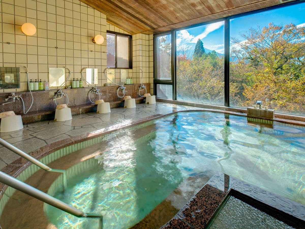 絶景が望める大浴場:本物の富士山を眺めながら身体もぽかぽか♪