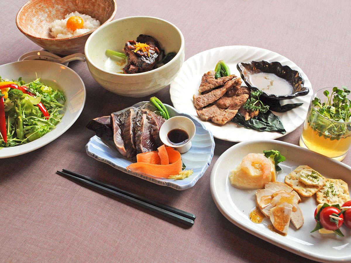 【夕食】高知が誇る名物料理をふんだんに取り入れた「四万十ディナーコース」