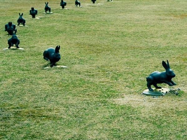 【島根県立美術館】縁結びで有名なしんじ湖うさぎ♪(当館より車で5分)