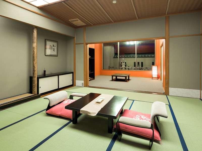 【4階特別室 客室一例】特別室は通常より広いお部屋で、庭付き、くつろぎルーム等数タイプございます。