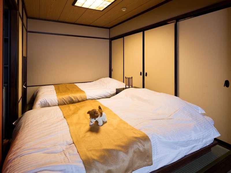 【スタンダード 客室一例】スタンダード客室は、本間+ベッドがついた寝室のお部屋でございます。
