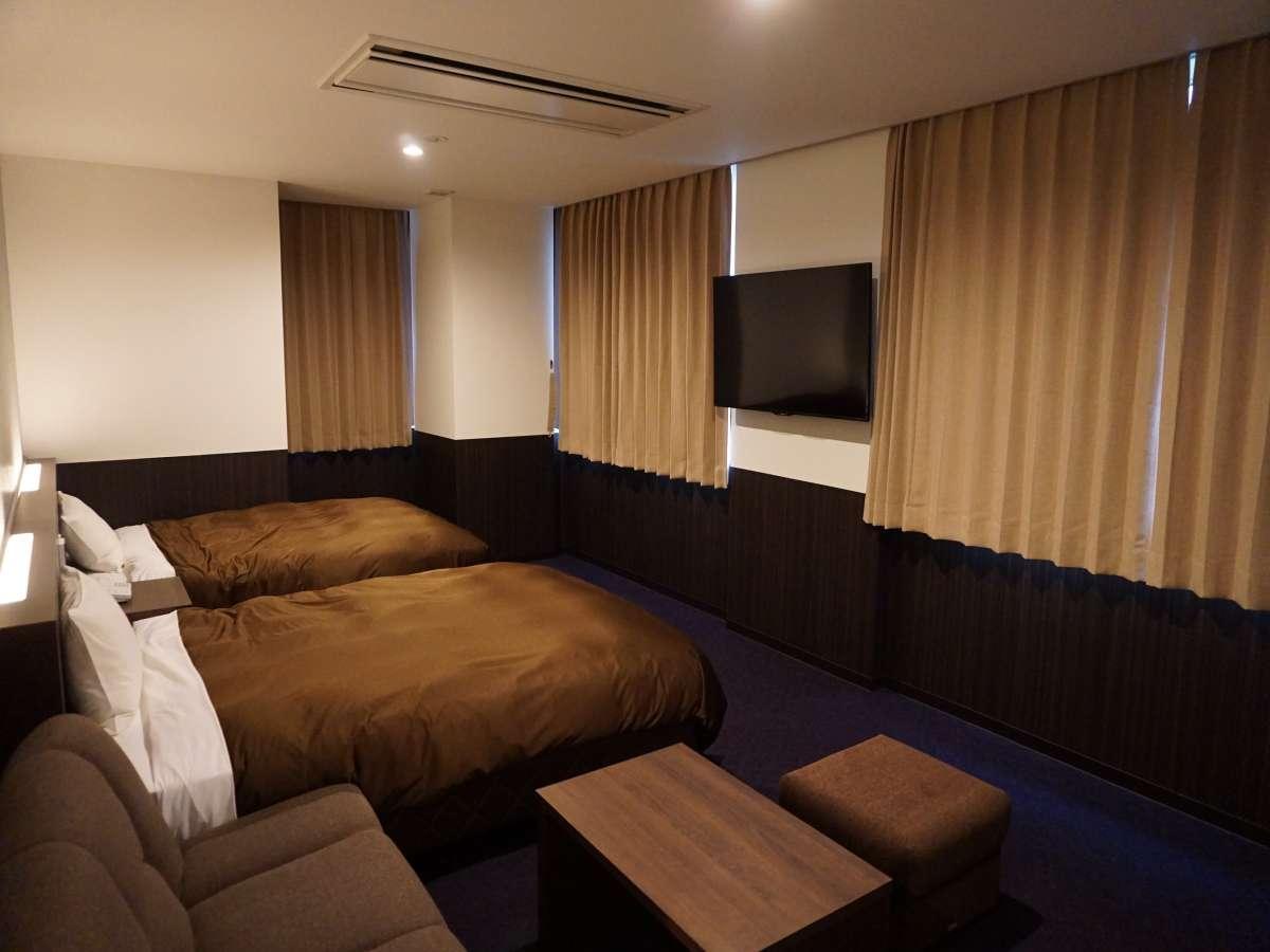 ★最大5名様まで宿泊可能!ダブルベッド×2台とソファベッド付のトリプルルーム☆