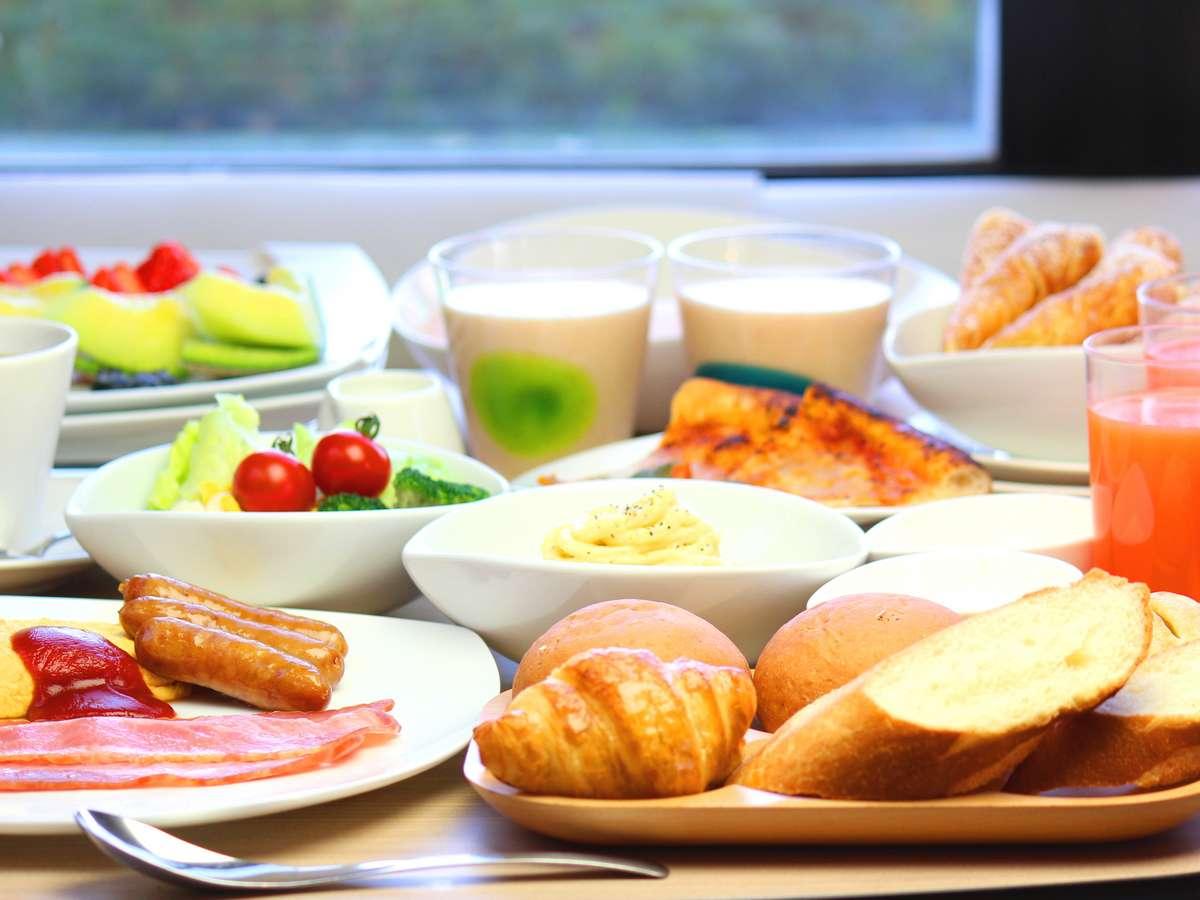 自慢の自家製朝食ビュッフェは朝食クチコミ高評価♪