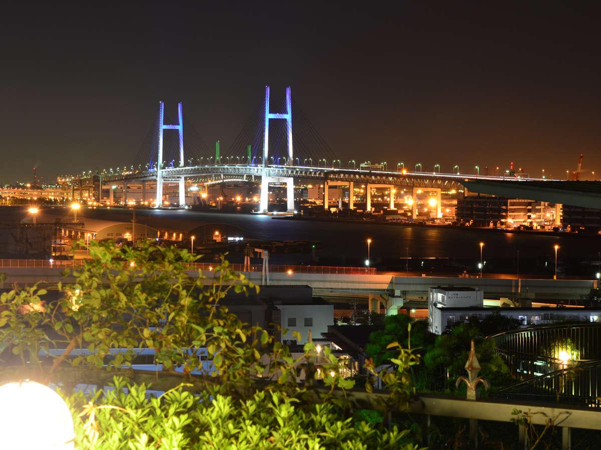 山手の丘の上から見下ろす、横浜港の大パノラマ夜景がご覧いただけます。