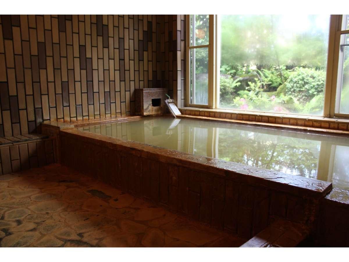 ペンションのお風呂は馬子草温泉