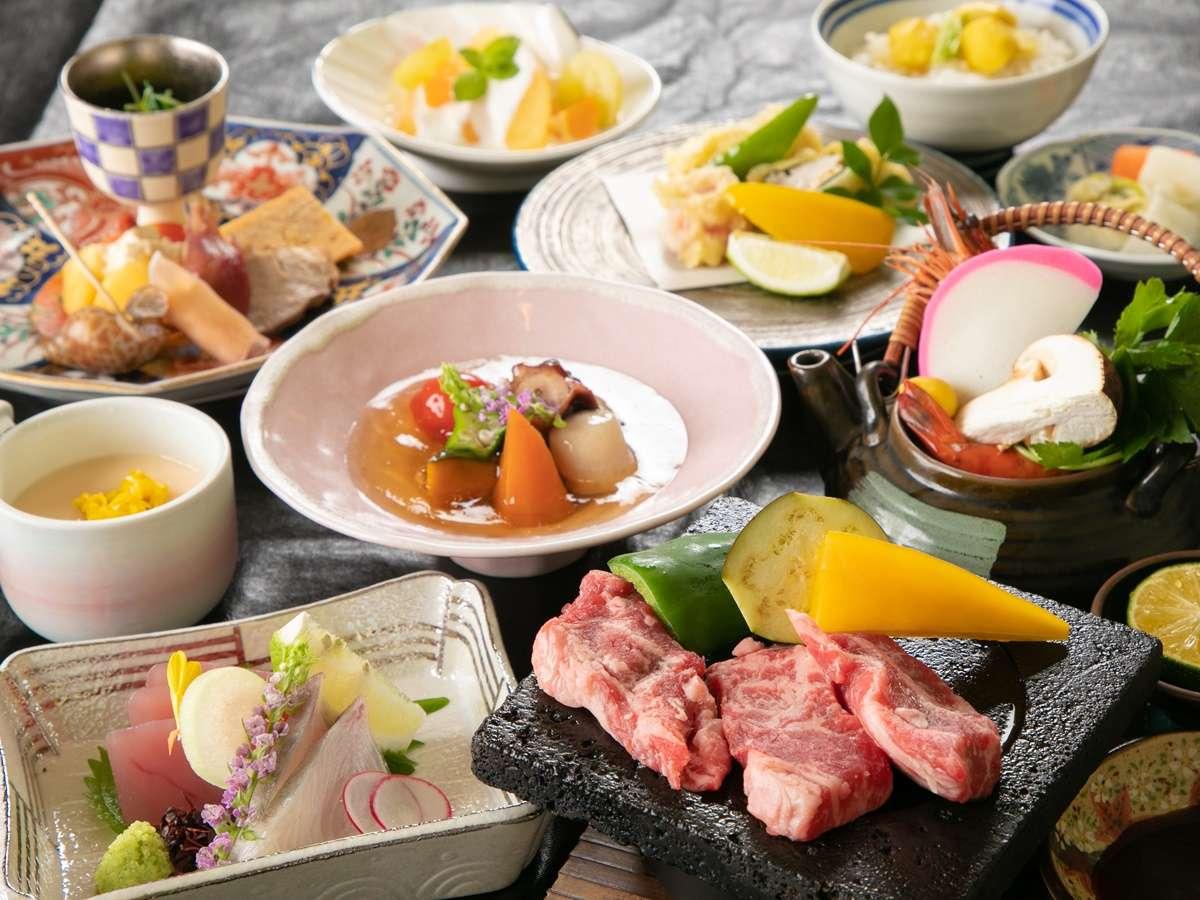 *【夕食一例】見た目も味も豪華な品々!至福のひと時をお過ごしください!