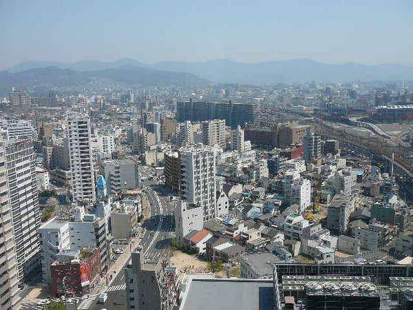 ※※※【広島市内東側】 中央の白い建物が当ホテルです。右側がマツダスタジアムです。