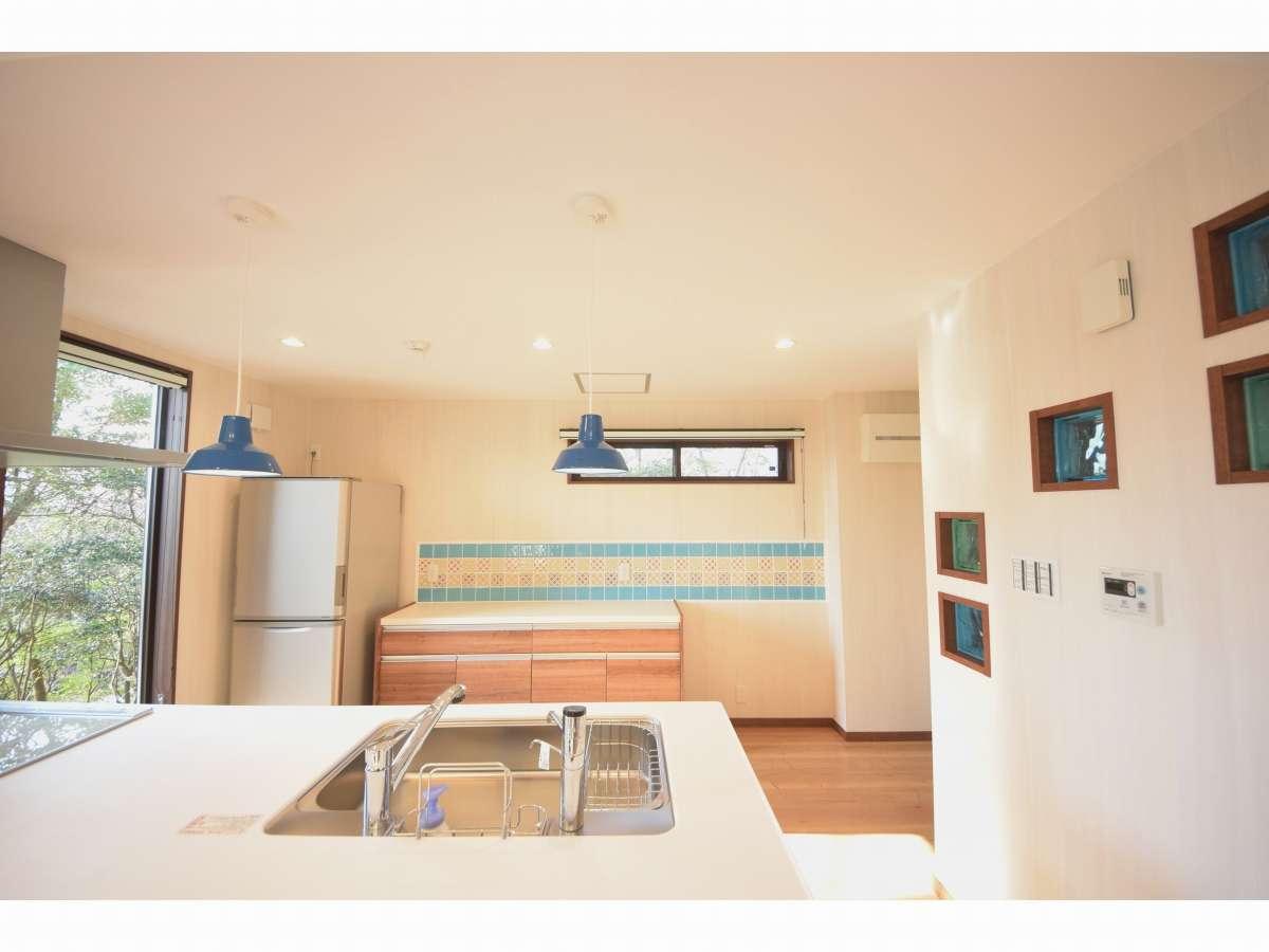 対面式で使い勝手の良いキッチンです。IHクッキングヒーター、食器洗浄機付きです。