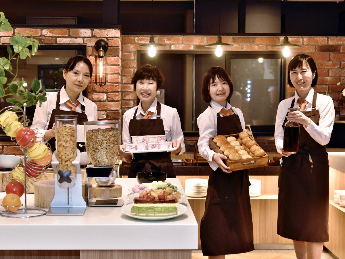私たちがお待ちしております(^^)/ BY 朝食チーム