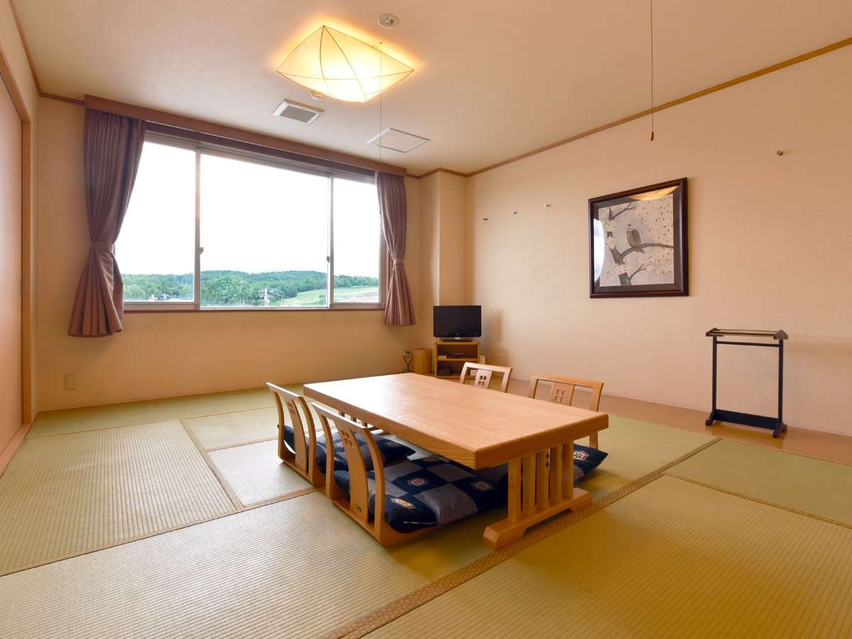 【和室B(バス無)】バスルームがない代わりに最大5名迄収容可能のお部屋となります。