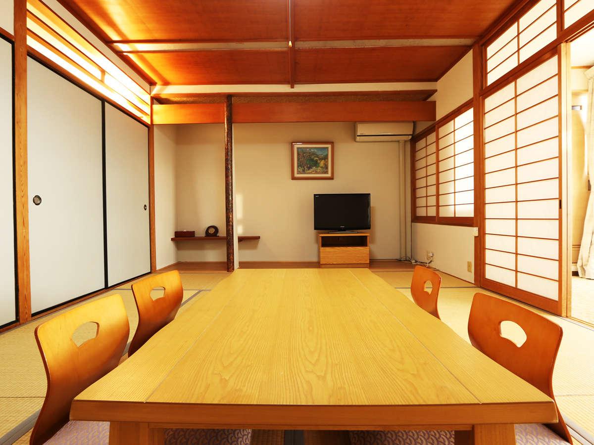和室10畳 プライベートを大切にすべくお客様ご自身にお布団を敷いていただいております