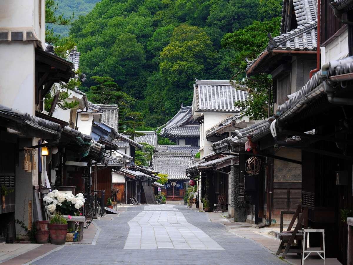 竹原は全国的にも景観の保存状態がよく、まるでタイムスリップしたかのような光景が広がります。