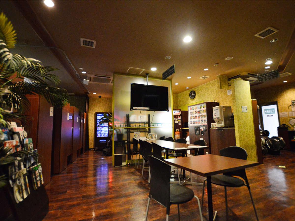 【2F癒しカフェ】無線LAN対応オープンスペースです。PC・スマートフォン・ゲームなどに・・・。