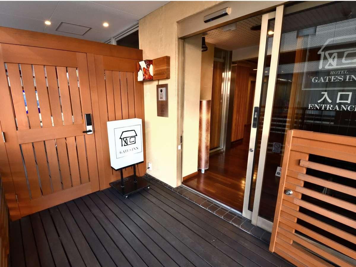 3階駅直通デッキ口