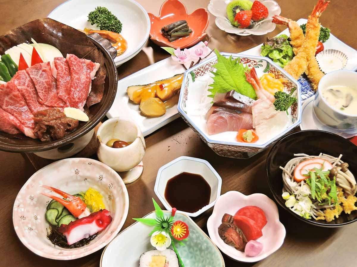 *【夕食一例】品数が多くボリュームたっぷり